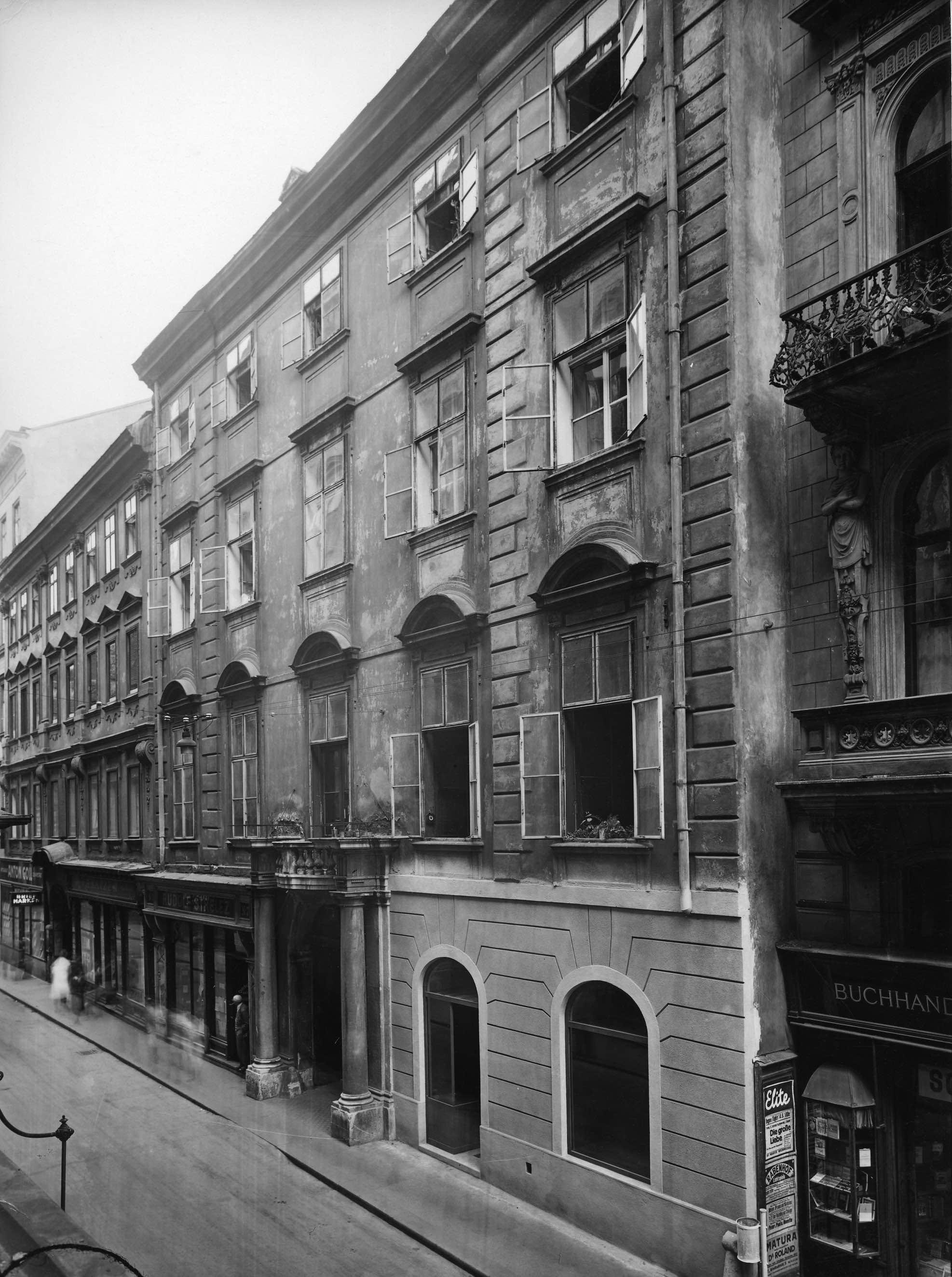 """The """"Gildemeester-Haus""""; Austrian National Library: https://www.memento.wien/address/573/"""